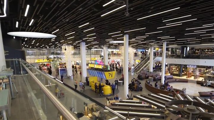 Schiphol Airport opts for Circular lighting, a responsible choice