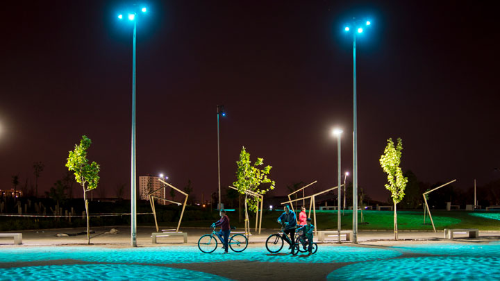 Philips Lighting at Renato Poblete River Park, Quinta Normal, Chile